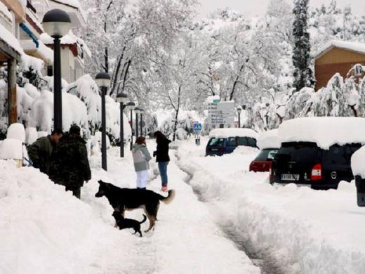 La nieve cubre la Península de imágenes de postal