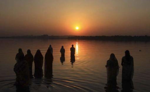 Festival Chhath, adorando el sol