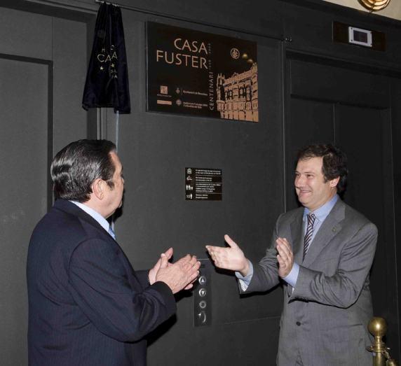 El Presidente de Grupo Noga, D. Nicol�s Osuna, propietario de Hoteles Center, y al Alcalde de Barcelona, el Exmo. Sr. D. Jordi Hereu