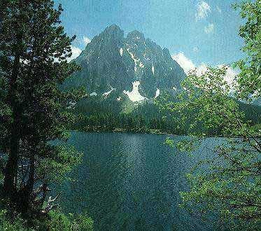 El lago de Sant Maurici y el Parque Nacional de Aigüestortes. CATALUÑA
