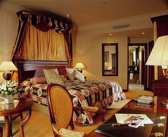 Hotel intercontinental madrid 5 for Hoteles con habitaciones comunicadas en madrid