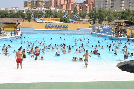 Aqualand torremolinos for Piscina torremolinos