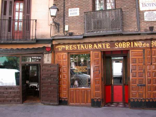 Restaurante botin de madrid el m s antiguo del mundo for La casa encendida restaurante madrid