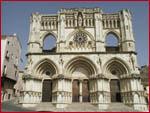 fotografía de la fachada principal de la Catedral de Cuenca
