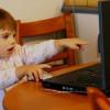Peligros en línea para sus hijos usando teléfonos móviles